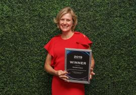 Michelle Ockers with her award